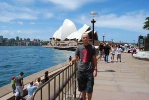 Devant l'opéra de Sydney