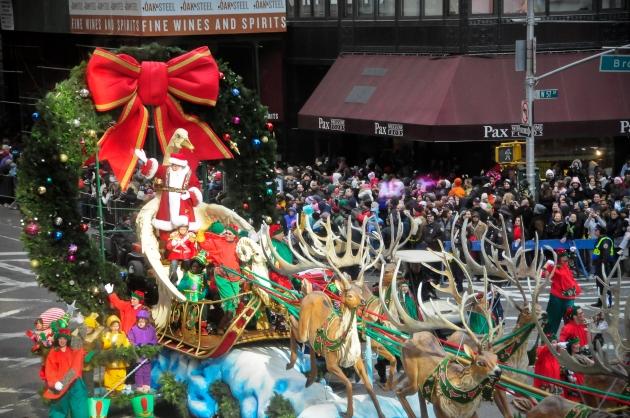 Santa_Claus_arrives..jpg